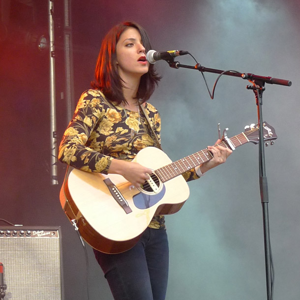 Sharon Van Etten1