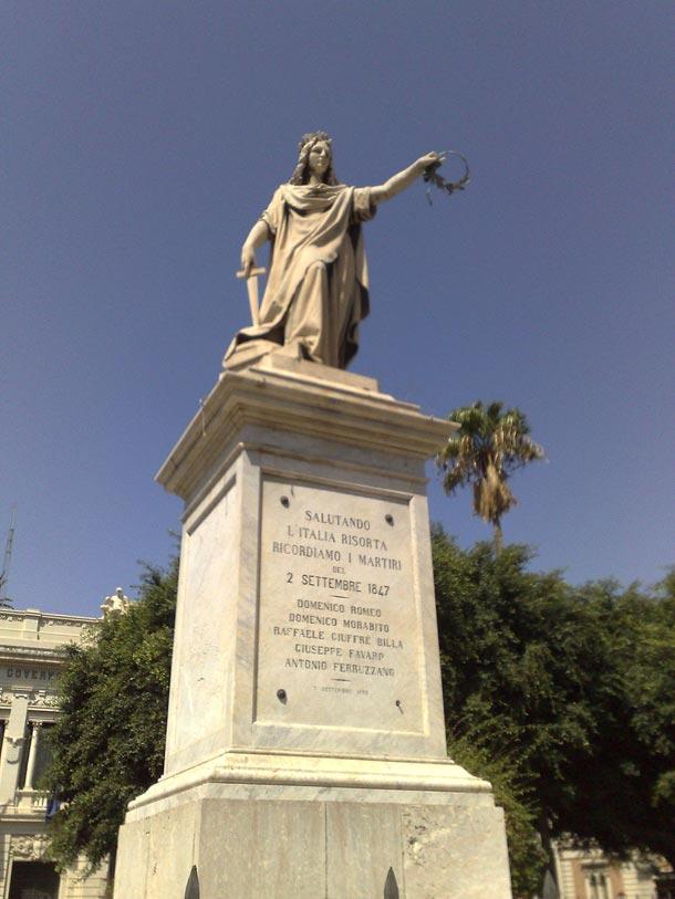Monumento all'Italia - Piazza Italia - Reggio Calabria - foto di Olivier Duquesne