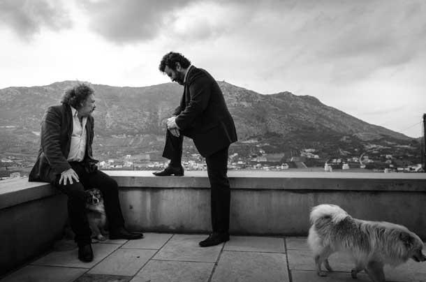 Jim White e Giorgos Xylouris, foto di Manolis Mathioudakis